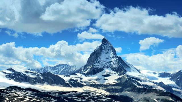 stockvideo's en b-roll-footage met main peak of the matterhorn - matterhorn