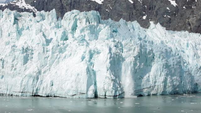 majestic icebergs. shrinking antarctica. nasa public domain imagery - ледник стоковые видео и кадры b-roll