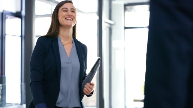 vídeos de stock e filmes b-roll de make your business grow through mergers - dedicação