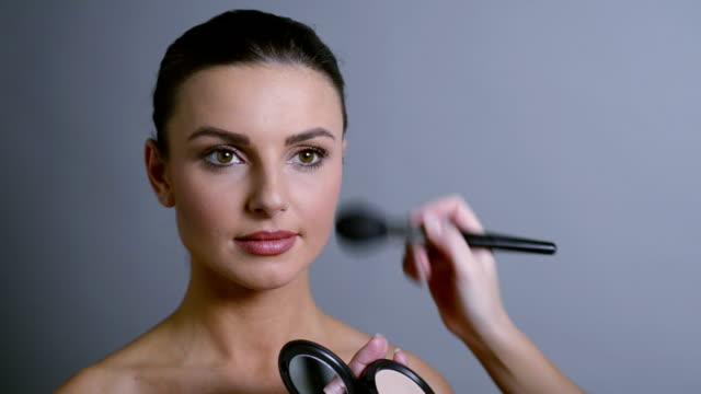 Make-up application video