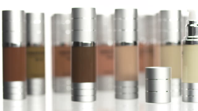 stockvideo's en b-roll-footage met hd: makeup foundation set - cosmetica