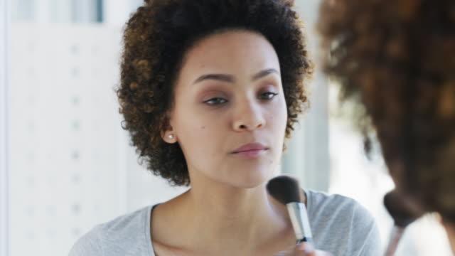 make-up is a girl's best friend - makeup filmów i materiałów b-roll