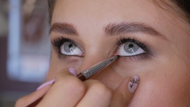 vidéos et rushes de maquillage paupière inférieure - fard à paupières