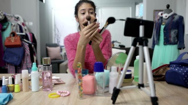 메이크업 동영상 - influencer 스톡 비디오 및 b-롤 화면