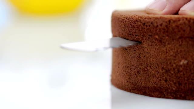 제작 케이크 - cake 스톡 비디오 및 b-롤 화면
