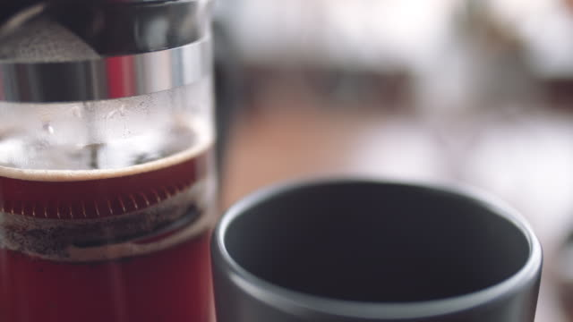 Making a coffee with French press