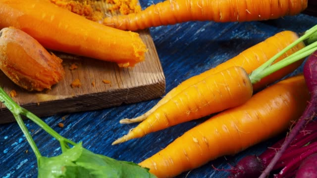 Making beet and carrot juice