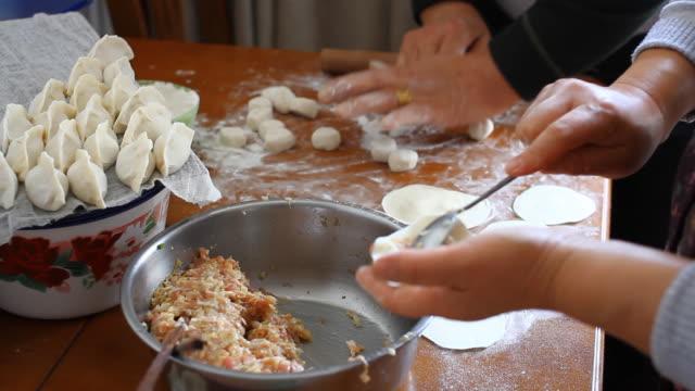 Decisiones bolas de arroz chino - vídeo