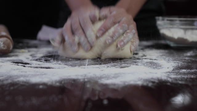 hamur yapma - hamur stok videoları ve detay görüntü çekimi
