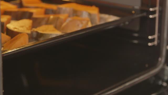 Making filling for homemade Thanksgiving pumpkin pie. Baking fresh pumpkin video