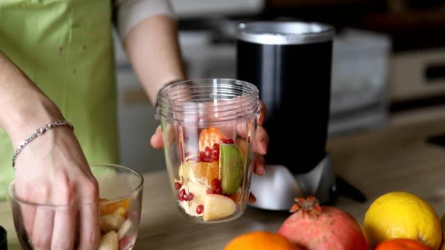 Making fruit smoothie