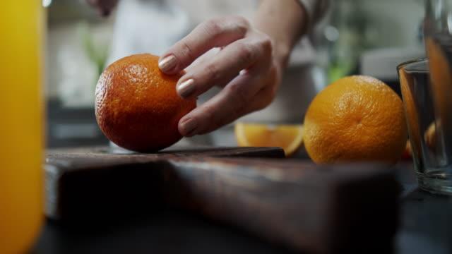 Making orange juice video