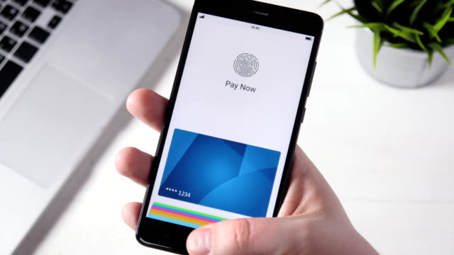 Making secure online payment using smartphone video