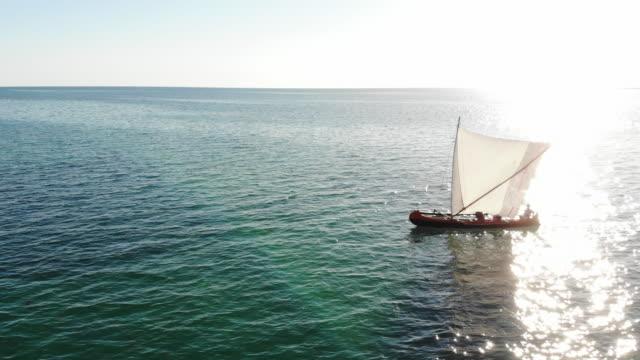 madagaskars fiskebåtar - madagaskar bildbanksvideor och videomaterial från bakom kulisserna