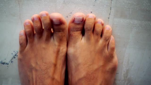 male feet - scalzo video stock e b–roll