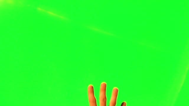 stockvideo's en b-roll-footage met male hand gestures - green screen and alpha matte - hand pointing