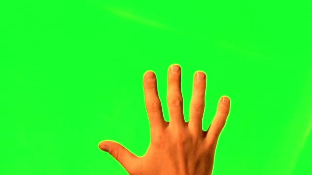 maschio gesti delle mani-verde schermo e di metallina di alfa - avvicinarsi video stock e b–roll