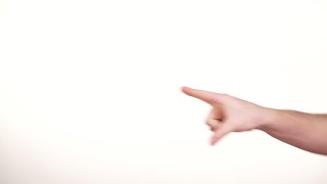 vídeos de stock, filmes e b-roll de gesticulando da mão masculina. gestos e sinais 4k - braço humano