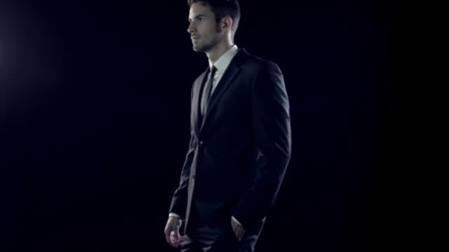 Hombre en la Suite - vídeo