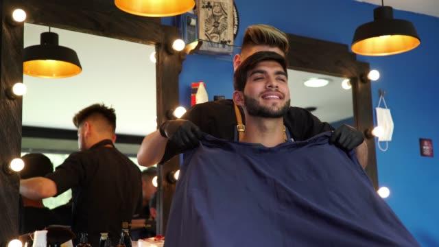 理髪店の男 - 美容室のビデオ点の映像素材/bロール