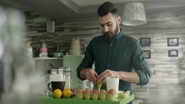 Man in the kitchen video