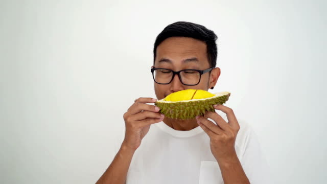 Man love durian smell.