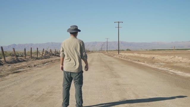 Man Stop Look Road 01 video