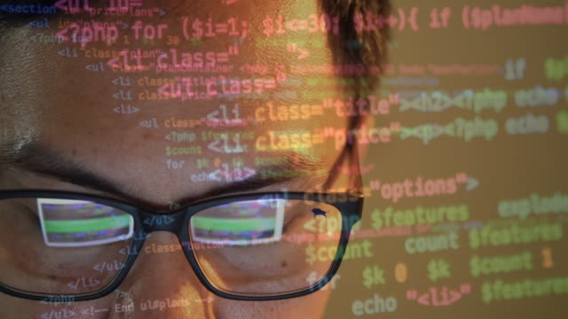 vídeos de stock e filmes b-roll de 4 k : homem uma escrever um código de programação - software de computador