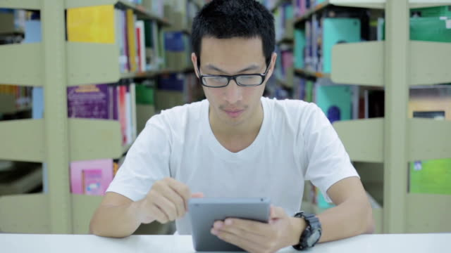 Man use tablet video