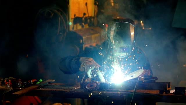 Man welding, slowmotion footage