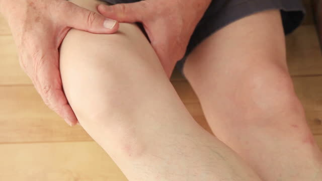 Man with pain in his thigh video
