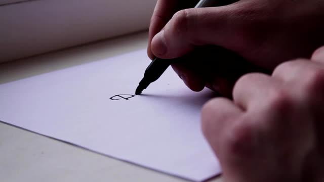 vídeos de stock, filmes e b-roll de homem escreve uma carta ao papai noel - correio correspondência