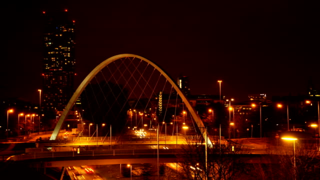 manchester notte time lapse 1080 hd - manchester inghilterra video stock e b–roll
