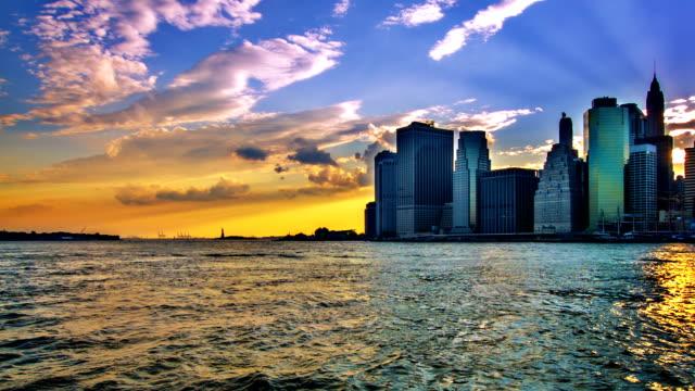 manhattan downtown - amerika kıtası stok videoları ve detay görüntü çekimi