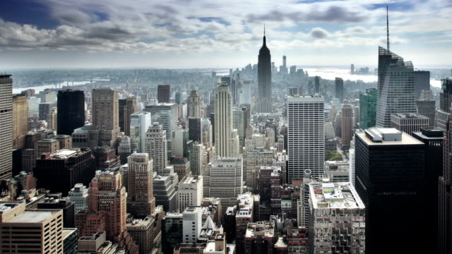 vídeos de stock, filmes e b-roll de manhattan de nova york - alto descrição geral