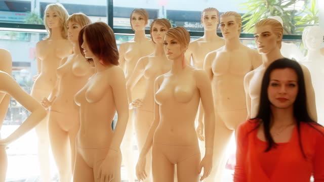 Mannequin Dummies video
