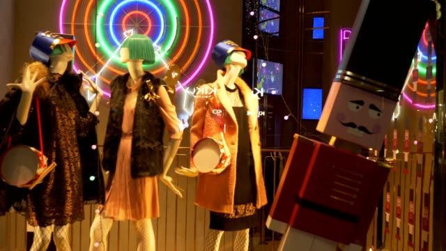 mannequin toy soldier - modella negozio video stock e b–roll