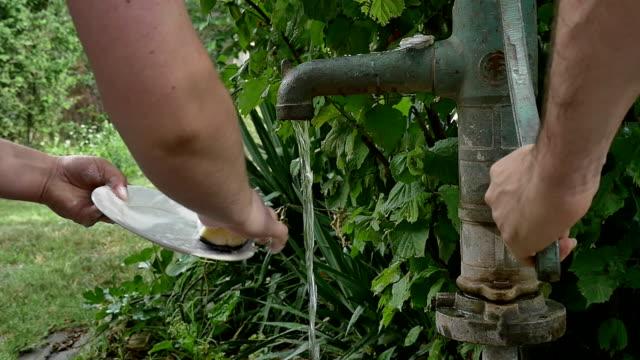 manual water pump video