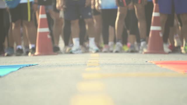 maraton, başlat - başlama çizgisi stok videoları ve detay görüntü çekimi