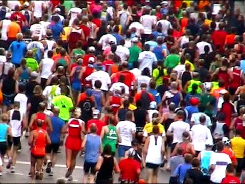 maratona corridori città - adulazione video stock e b–roll