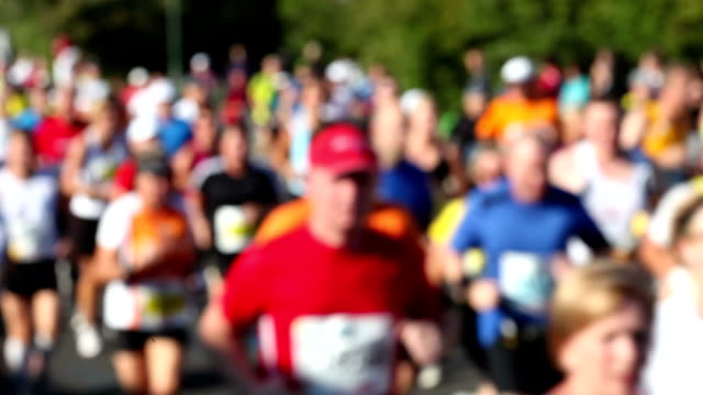 Marathon running, blurred video