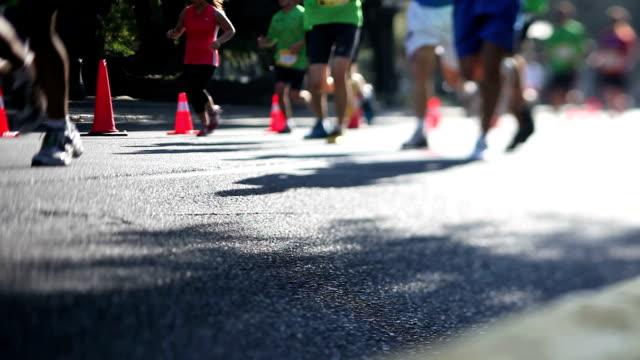 Marathon, selective focus video