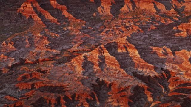 aerial marble canyon paesaggio al tramonto - canyon video stock e b–roll