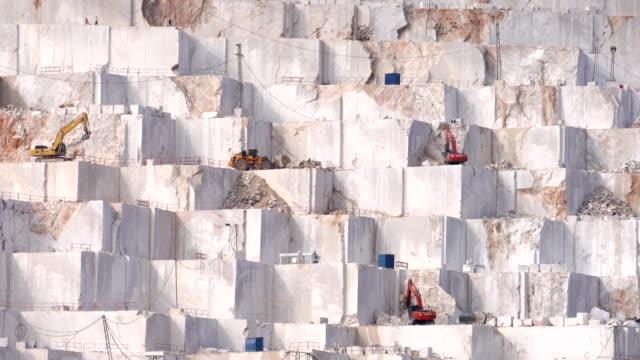 stockvideo's en b-roll-footage met marmer mijnbouw - marmer