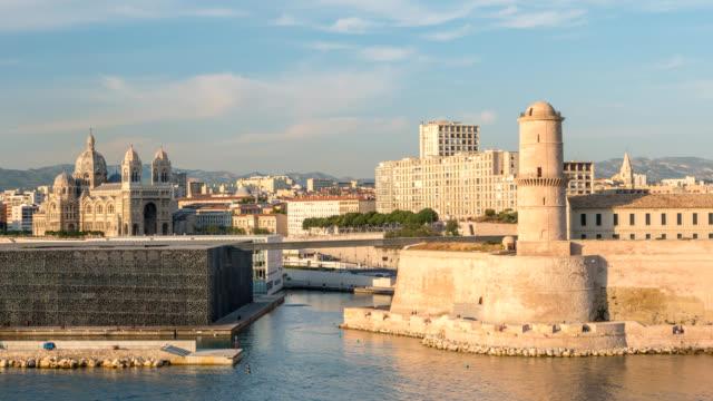 stockvideo's en b-roll-footage met marseille stad skyline vieux port timelapse, marseille, frankrijk 4k time-lapse - marseille