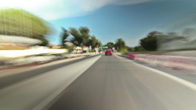 vídeos de stock e filmes b-roll de marselha condução de - reto descrição física