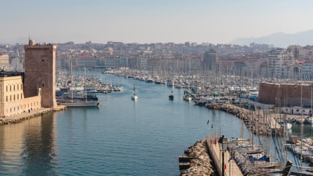 Marseilles, time-lapse of the entrance of the Vieux Port. Bouches-du-Rhone, Mediteranean Sea, France - vídeo