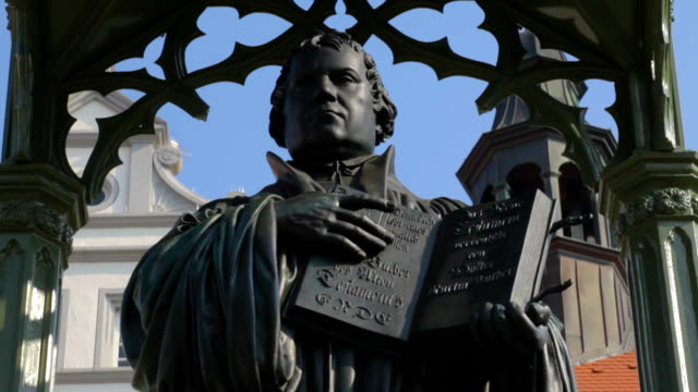 Martin Luther Statue Close-Up video