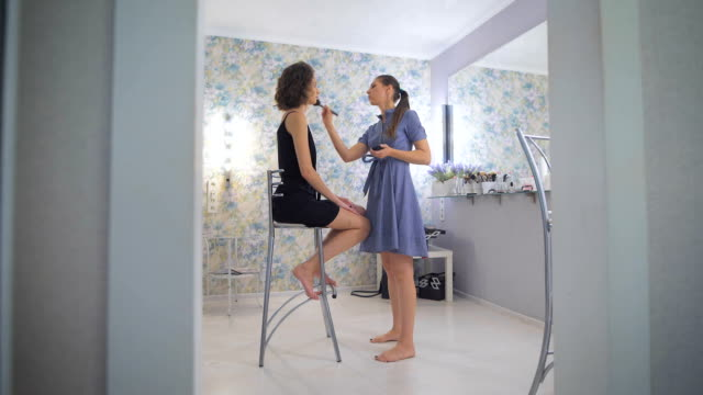 master colors eye shadows with color, image girl prepares for prom - prom fashion stock videos and b-roll footage