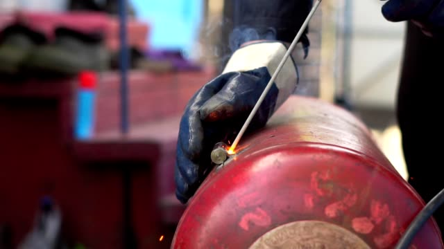 master welding cast iron cooking iron